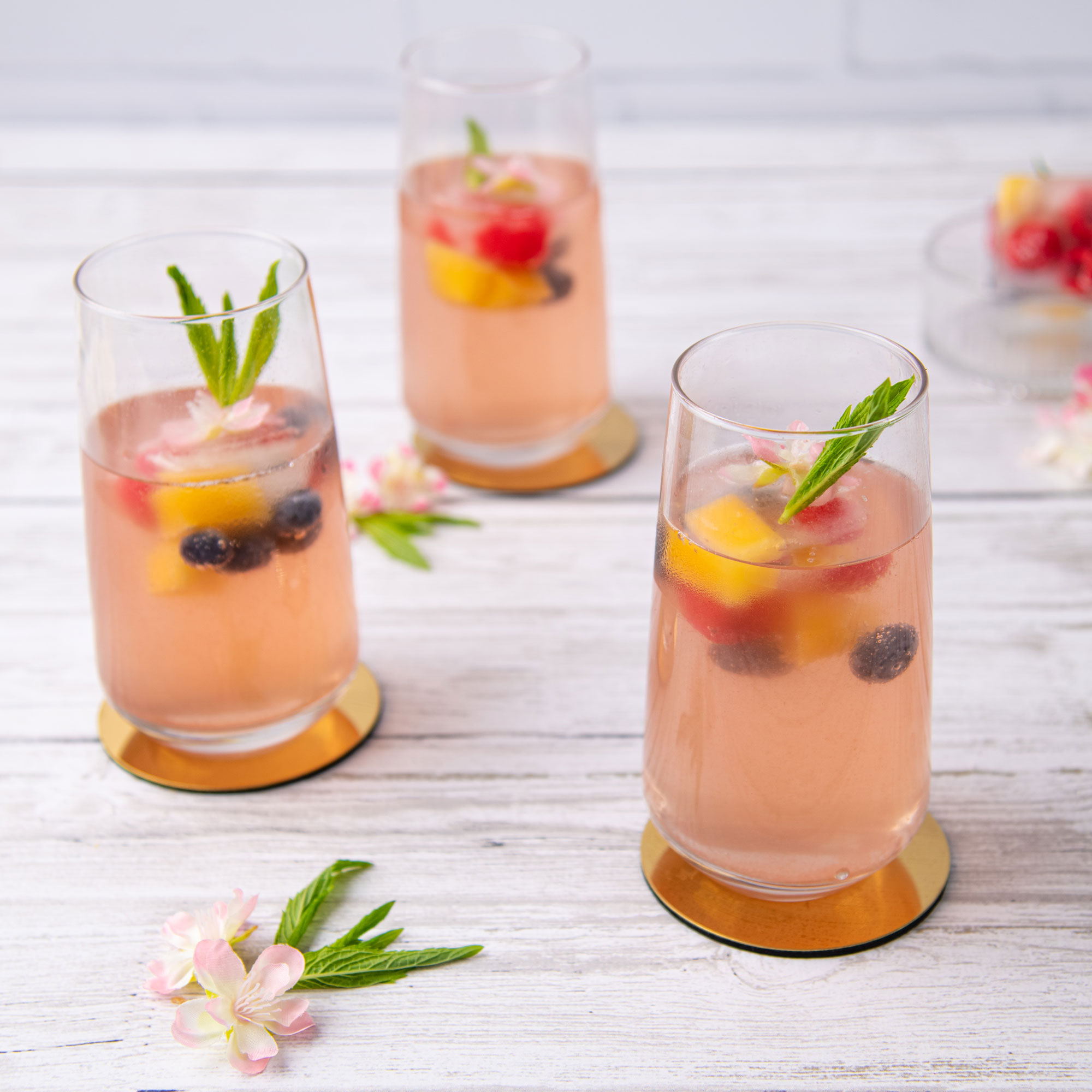 Calypso® Mango and Perfection Blueberry Gin & Tonic